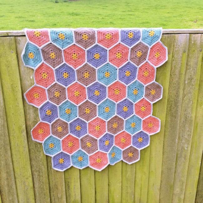 #crochet #vintage #blanket #madewithloops