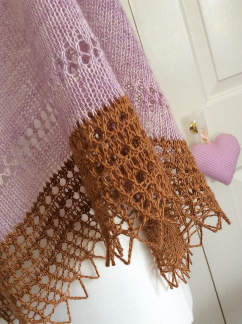 #madewithloops.co.uk #solveigshawl