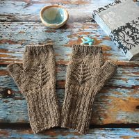 #treeoflifemittens #madewithloops.co.uk